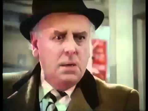 Minder The Loneliness of the Long Distance Entrepreneur S08E01