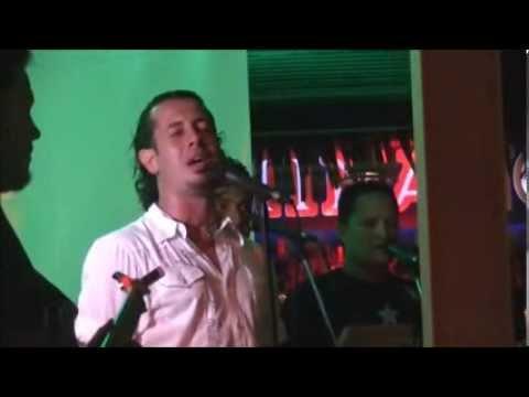 Teiva LC chante  Te Nenenehe o te natura au pink coconut (1er mars 2014)