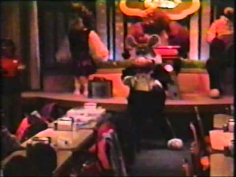 Chuck E. Cheese LIVE 1991 in Green Bay, WI @ Sbiz Pizza ...