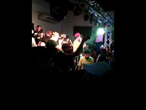 Big Soto - Me Mira (En Vivo) La Trvmpa Fest