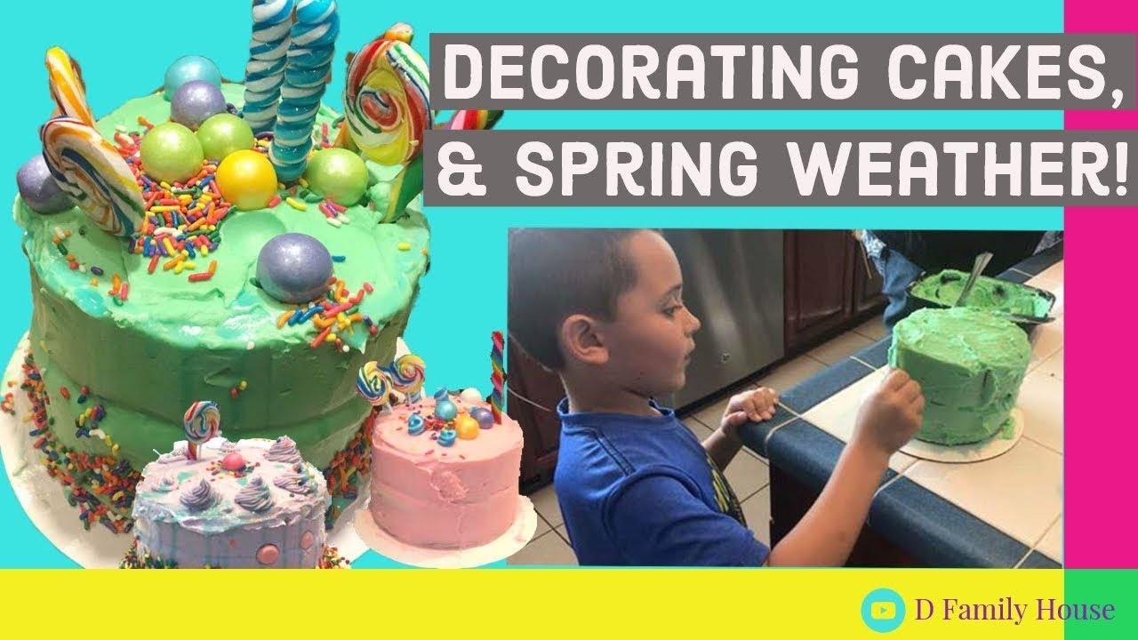 Decorating Mini Cakes Superbowl Fun