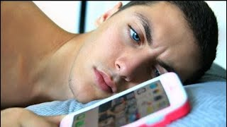 Boyfriend Swaps Phone With GIRLFRIEND For Day! thumbnail
