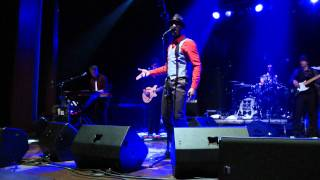 Gambar cover Aloe Blacc - Loving you is killing me [live]