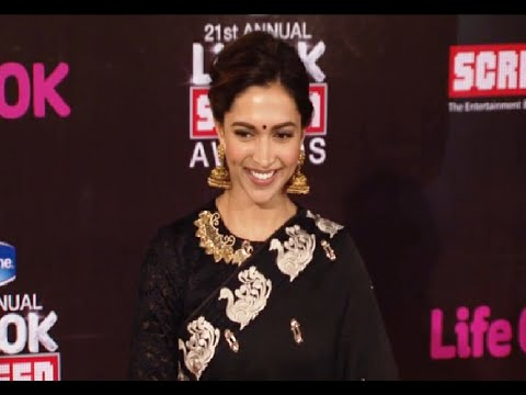 Deepika Padukone beautiful in black saree at Life Ok Screen Awards 2015.