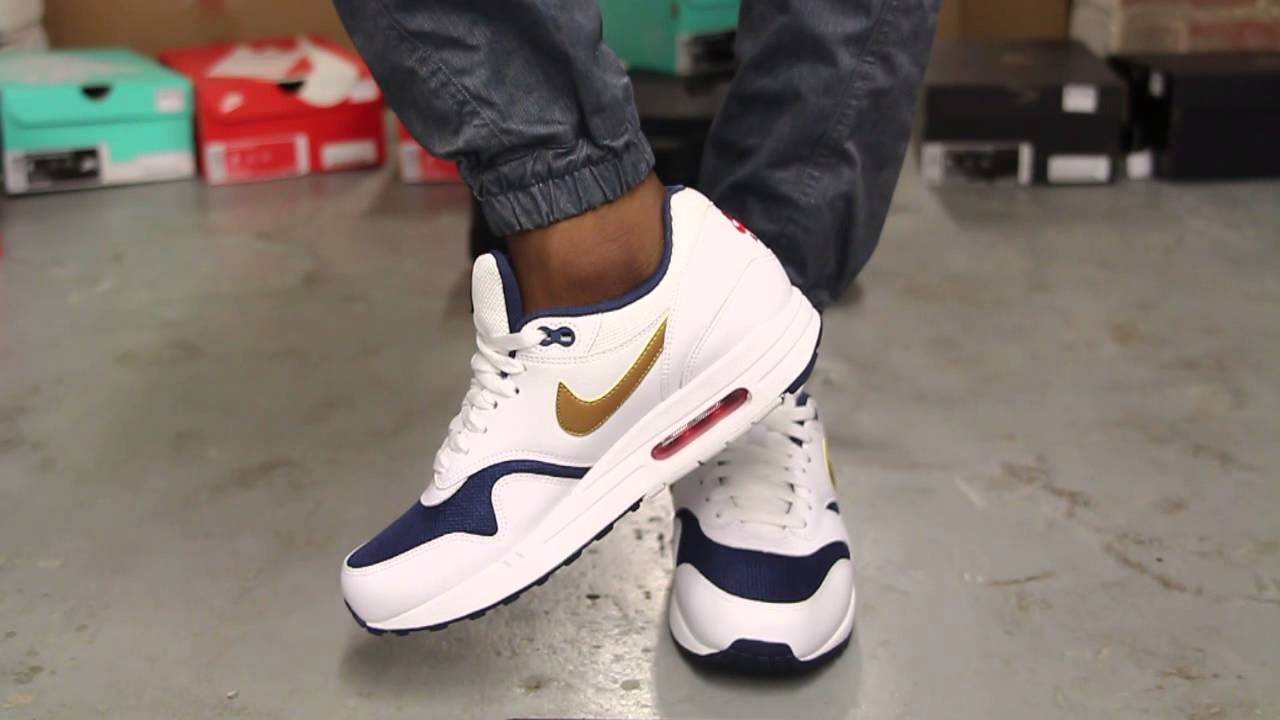 Nike Air Max 1s Essentiel Marine Blanc / Or Métallique Mi