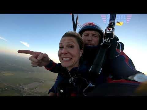Breann Ackley's Tandem skydive!