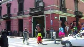 Gigantes y cabezones en Lima?