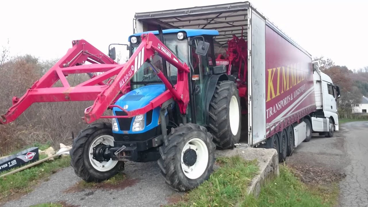 insolite tracteur agricole remorque vs poids lourd youtube. Black Bedroom Furniture Sets. Home Design Ideas