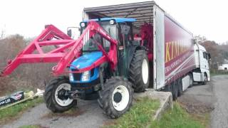 INSOLITE ! Tracteur agricole + remorque VS poids lourd