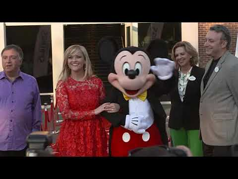 EVENT CAPSULE CLEAN - Reese Witherspoon And Mickey Mouse Officially Open Planet Hollywood Disney Spr