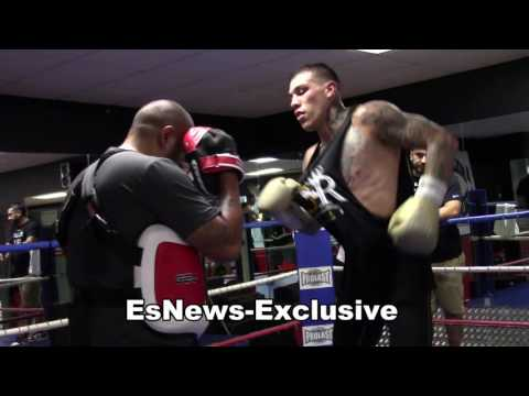 Gabe Rosado working the mitts with fernando vargas EsNews Boxing
