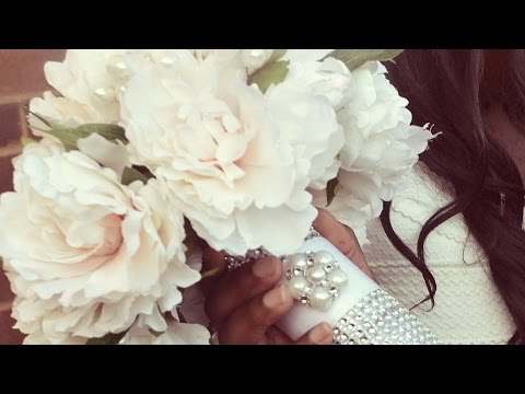 diy-bridal-bouquet:-wedding-flowers-with-decorated-holder