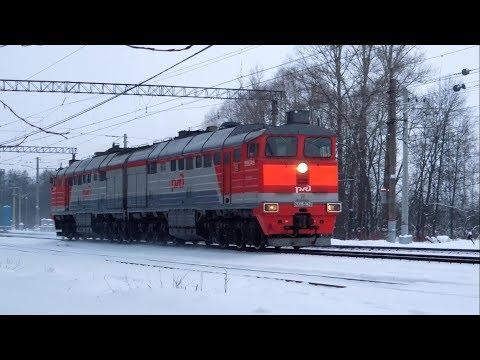 Смотреть ЭТ2М-032 и  2ТЭ116-1421 на станции Царское Село,  Санкт-Петербург онлайн