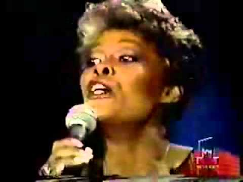 Andy Gibb & Dionne Warwick - I Just Want To Be Your Everything [Solid Gold]
