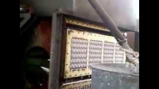 Лотки для яиц. Как это делают(Поставим оборудование для изготовления лотков для яиц из макулатуры. Подберем производительность согласн..., 2013-04-15T02:32:35.000Z)