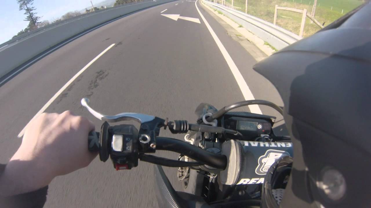Wr250x Top Speed downhill (lot of wind) - YouTube
