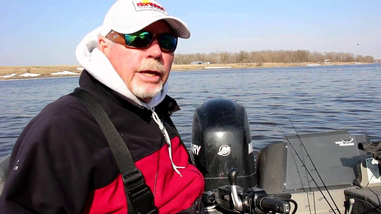 Rainy river fishing report april 1st 2015 youtube for Rainy river fishing report