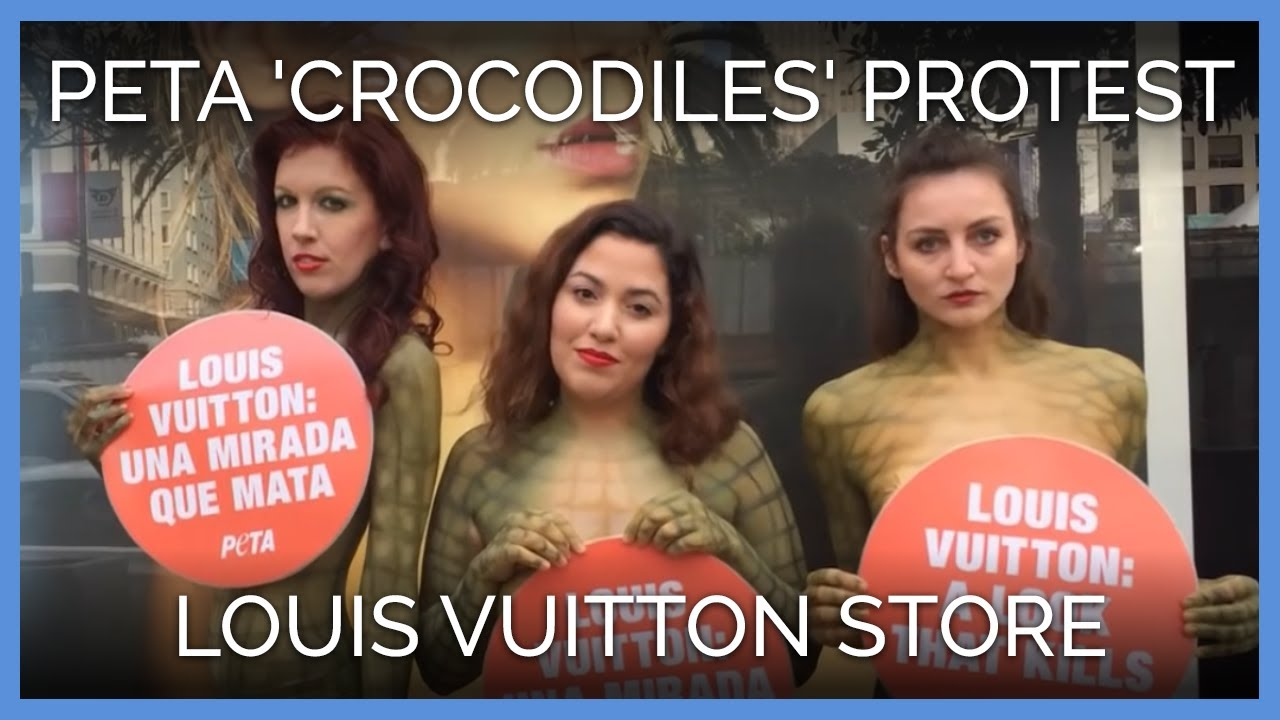body-painted-crocodiles-protest-outside-louis-vuitton-store