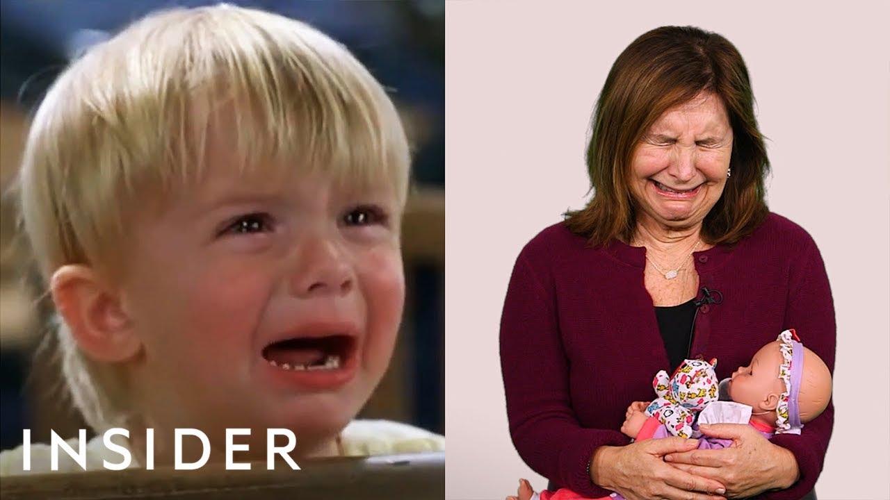Како се предизвикуваат бебињата во филмовите да плачат?