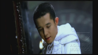Download Melly Feat Amee - Ketika Cinta Bertasbih | Official Video