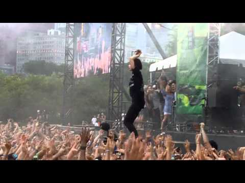 Crystal Castles - Alice Practice - Lollapalooza - Aug 5 2011 - Chicago