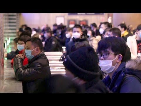 В Китае лавинообразно растет число зараженных коронавирусом нового типа.