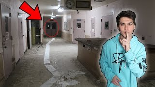 EXPLORING HAUNTED INSANE ASYLUM! (ABANDONED EQUIPMENT FOUND)