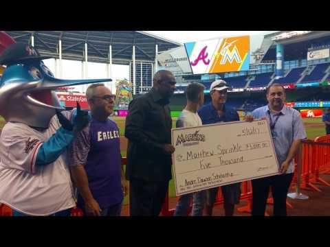 Matthew Sprinkle receives Andre Dawson Scholarship Award