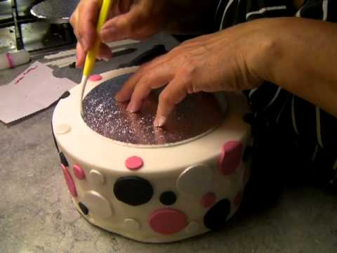 Stacking 3 tier cake tutorial 001