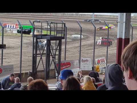 Davenport Speedway 4-7-17 Bryce Garnhart Heat race