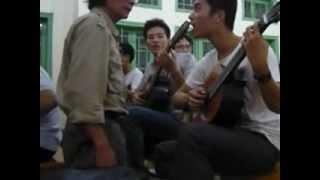 Bác Lâm guitar - 1 buổi hướng dẫn học viên guitar cổ điển