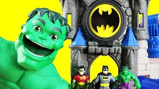 Safari Delivers Toy Blocks In Dump Truck To Batman | Mega Thanos Battles Mega Talking Hulk