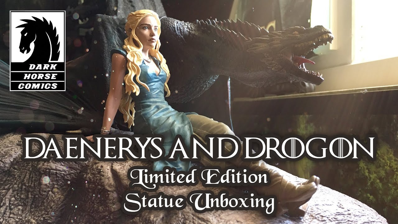 Dark Horse Deluxe Game of Thrones Daenerys and Drogon Statue