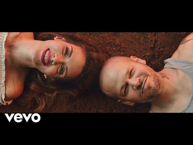 Kany García, Residente - Banana Papaya (Official Video)