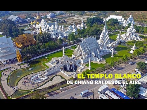 Templo Blanco Wat Rong Khun a vista de dron