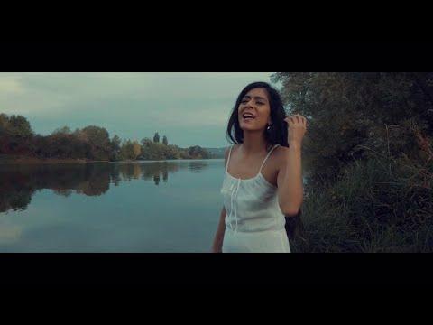 UNA SEÑAL - Karla Lazo (videoclip oficial)