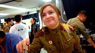 Ты не поверишь! Японцы в форме советских солдат пьют водку и едят шпроты