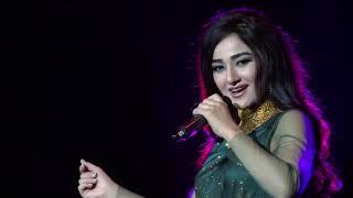 Kamli - full song | Dhoom: 3 | katrina Kaif | Aamir Khan | Sunidhi Chauhan | Pritam | Amitabh B
