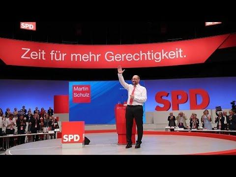 Martin Schulz Merkel iktidar olmanın kibrine kapılmış