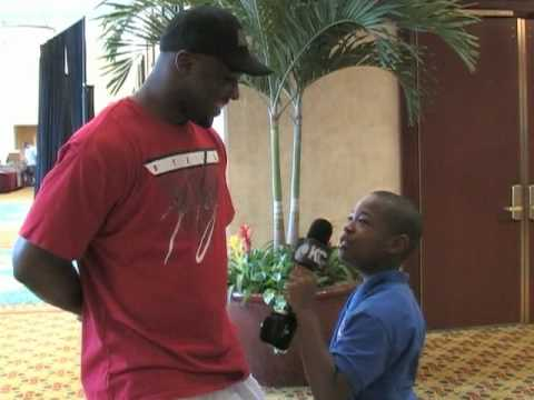 2010 Pro Bowl: 3rd Grade Reporter Anthony Bowie Interview with DeMeco Ryans