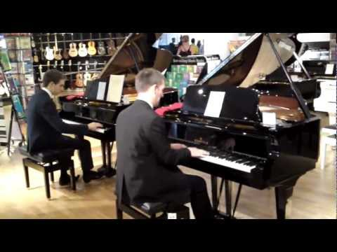 Grand piano duet i got rhythm george gershwin two for Piano diviso