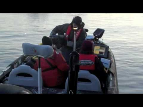 Mike Iaconelli Leaving the Dock on Day 3 of the 2010 Bassmaster Classic