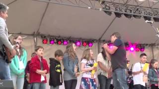 Military Kids and LoneStar singing I