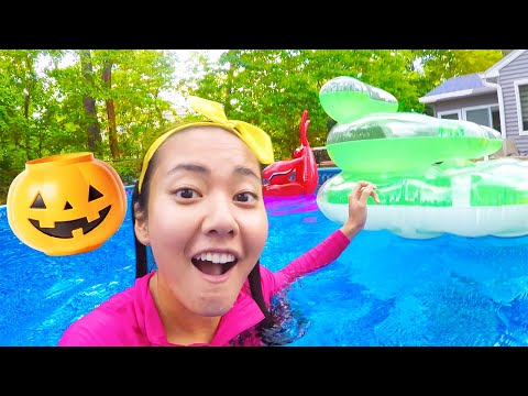 Halloween Science Experiment for Kids in Pool   Ellie Learns Float or Sink