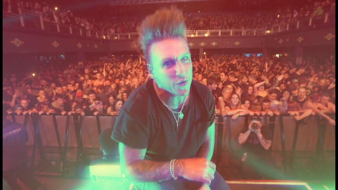 Papa Roach - Renegade Music (Live Performance)