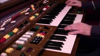 Mesmorised by Philip Jones / Yamaha Electone C-605