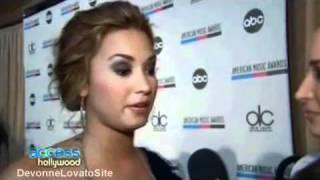 Demi Lovato Defends Miley Cyrus!