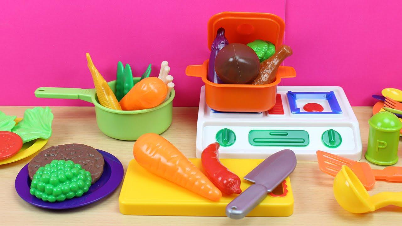 Malet n de cocina con accesorios y comiditas de juguete for Cocina de juguete