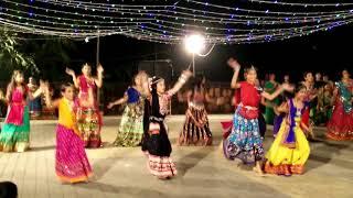 navratri garba dance aila re aila dholira dhol re vagad
