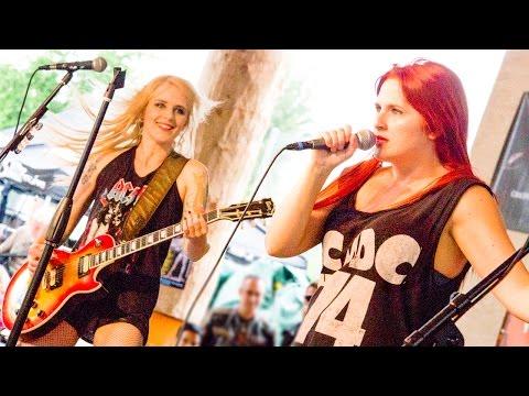 Thunderstruck LIVE Pro Shot - BACK:N:BLACK - The Girls Who Play AC/DC (HD)